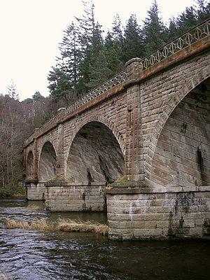 Neidpath Viaduct - Image: Neidpath viaduct (2)