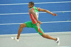 Nelson Évora - Évora en route to his 2009 World Championships silver medal