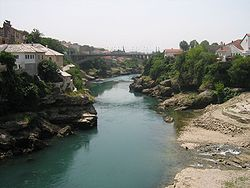 Річка неретва вигляд зі старого мосту