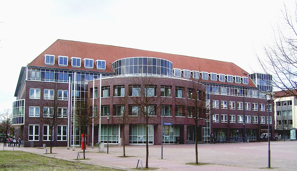 Uelzen – Travel guide at Wikivoyage