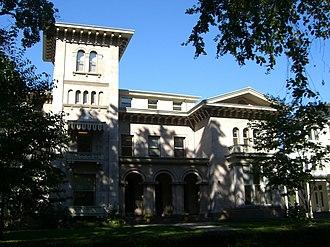 Hillhouse Avenue - Image: New Haven Hillhouse 2