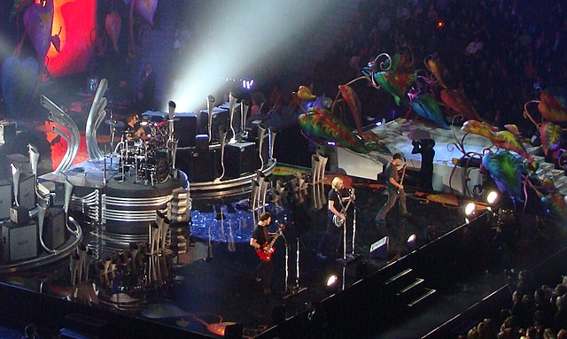 """Nickelback at Juno Awards"" by RadioBread, cropped by User:EhJJ - https://www.flickr.com/photos/bcjams/3431282180/. Licensed under Creative Commons Attribution-Share Alike 2.0 via Wikimedia Commons - https://commons.wikimedia.org/wiki/File:Nickelback_at_Juno_Awards.jpg#mediaviewer/File:Nickelback_at_Juno_Awards.jpg"