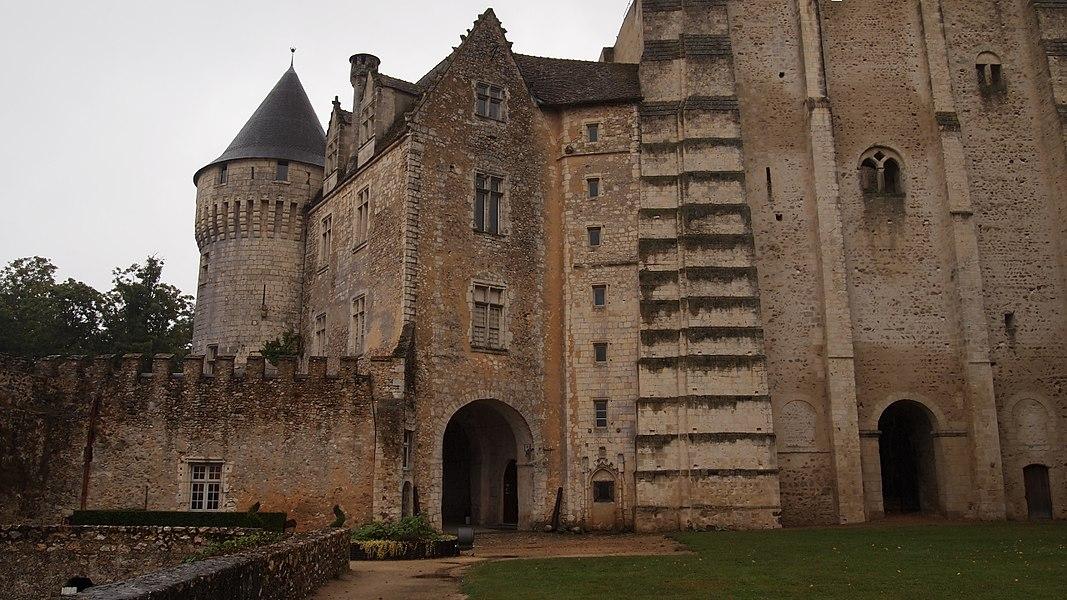 Château Saint-Jean cour intérieure