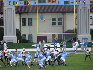 2007 Maryland Terrapins football team - Image: North Carolina field goal vs Maryland