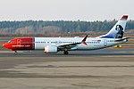 Norwegian (Oscar Wilde Livery), LN-BKA, Boeing 737-8 MAX (47630663771).jpg