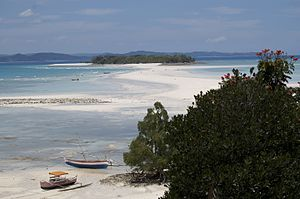 Shoal - Sandbar between Nosy Iranja Be and Nosy Iranja Kely (Nosy Iranja, Madagascar)