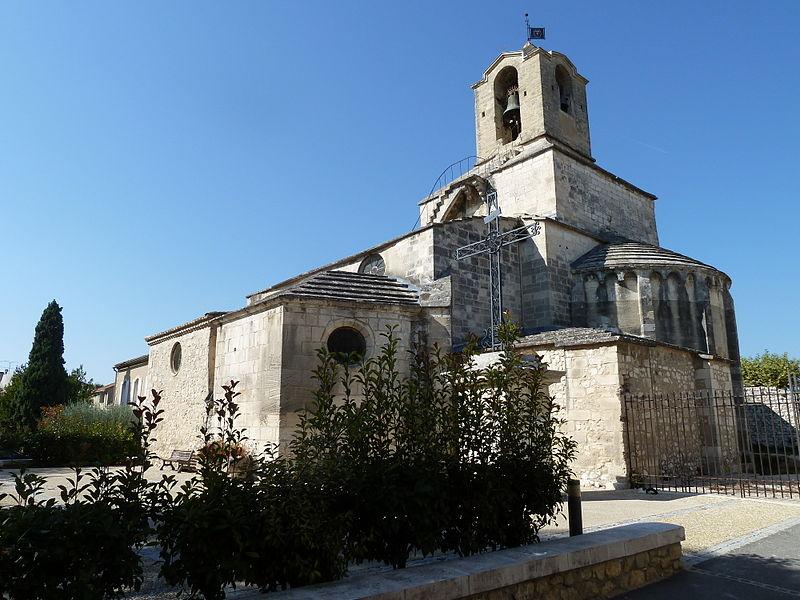 Noves - Église de Saint Beaudile, nef romane du Xème et XII ème siècle, Chapelles du XVème et XXème siècle