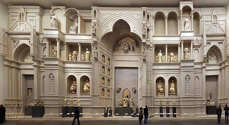 Первый фасад Дуомо Флоренции в зале Парадизо