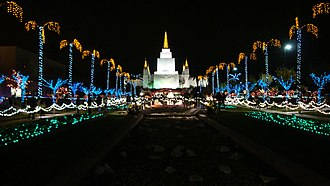 Oakland California Temple - The temple at Christmas