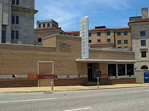 English: The old Greyhound bus station in Mont...