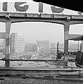 Op het dak van het Groothandelsgebouw te Rotterdam wordt een bioscoop gebouwd, Bestanddeelnr 911-9414.jpg