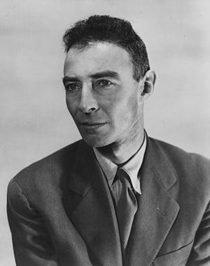 English: J. Robert Oppenheimer