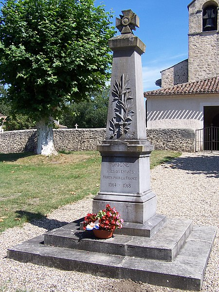 War memorial of Origne (Gironde, France)