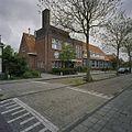 Overzicht hoekpartij met ingangspartij van de rooms-katholieke openbare lagere school - Heemstede - 20407214 - RCE.jpg