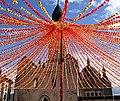 Périgueux - La cathédrale Saint-Front et la place de la Clautre décorée pour la Félibrée 2019.jpg