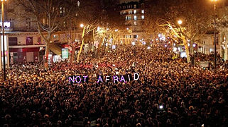 PARIS NOVEMBER 13. 2015. WE WILL NEVER GIVE . NOUS NE CEDERONS JAMAIS (23007666481).jpg