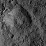 PIA20932-Ceres-DwarfPlanet-Dawn-4thMapOrbit-LAMO-image170-20160601.jpg