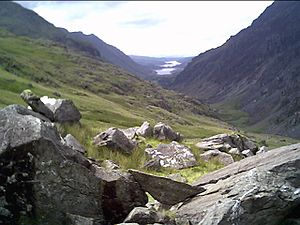 English: PYG Track looking towards Llyn Padarn...