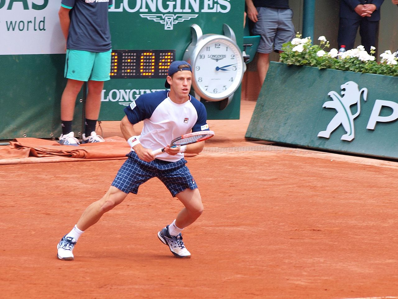 File Paris Fr 75 Open De Tennis 2 6 17 Roland Garros Diego Schwartzman 06 Jpg Wikimedia Commons