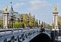 Paris Pont Alexandre-III 19.jpg