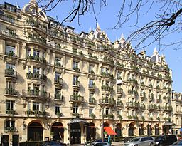 Paris avenue montaigne plaza athena.1