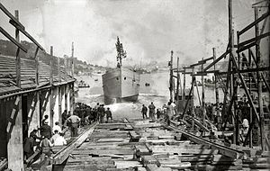 Pasaia - Launch of a boat at the San Roque shipyards, Pasaia (1920)