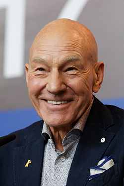 Patrick Stewart Press Conference Logan Berlinale 2017 04.jpg