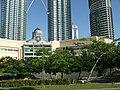Petronas tower - Kuala Lumpur - panoramio - Thajsko (2).jpg