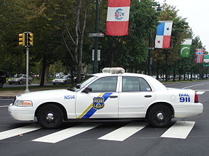 Philadelphia Police - cruiser on Ben Franklin Parkway.jpeg