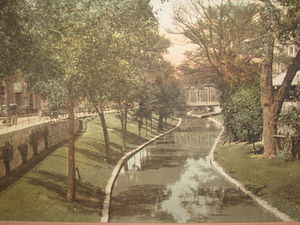 City Beautiful movement - San Antonio prior to 1920 with establishment of the Riverwalk