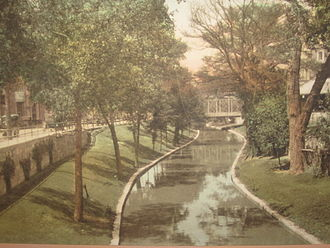 City Beautiful movement - San Antonio prior to 1920 with establishment of the Riverwalk