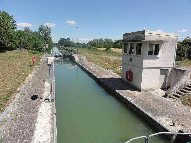 Pignicourt (Aisne) Canal latéral à l'Aisne, écluse nr 1