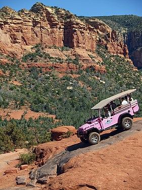 Pink Jeep Sedona 4863.jpg