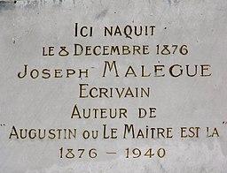 Plaque apposée sur la maison natale de Joseph Malègue