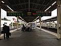 Platform 1 & 2 of Shizuoka Station.jpg