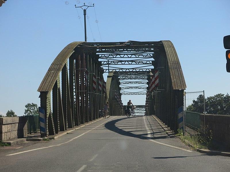 Bridge over the Saône river in Fleurville (Saône-et-Loire, France).