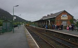 Porthmadog railway station - Image: Porthmadog railway station MMB 01 158833