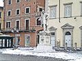 Prato-01,02,2012-Monumento a Mazzoni con neve.jpg