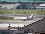 Private Business Jet Gulfstream G550 N323BD at Taipei Songshan Airport 20130126a.jpg