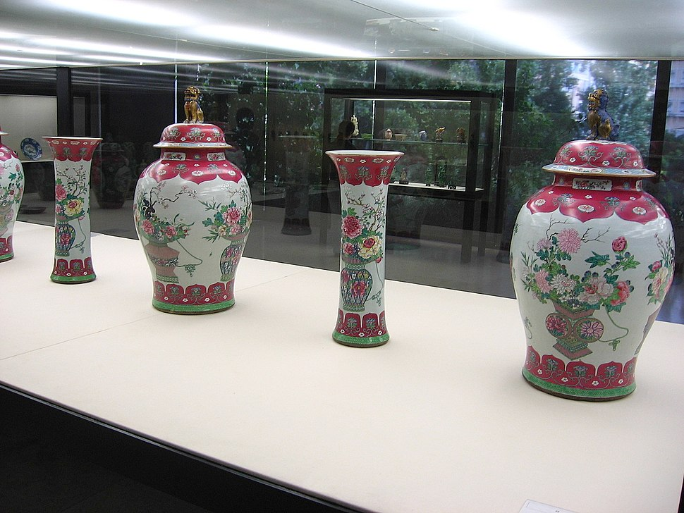 Qing-dynasty-vases