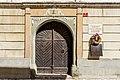 Radovljica Linhartov trg 7 Geburtshaus Anton Linhart Portal und Gedenktafel 10042017 7447.jpg