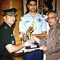 Ranveer Singh Jamwal Receiving Tenzing Norgay National Award 2013.jpg