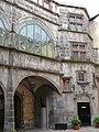 Riom - Hôtel de ville - Escalier à vis.JPG