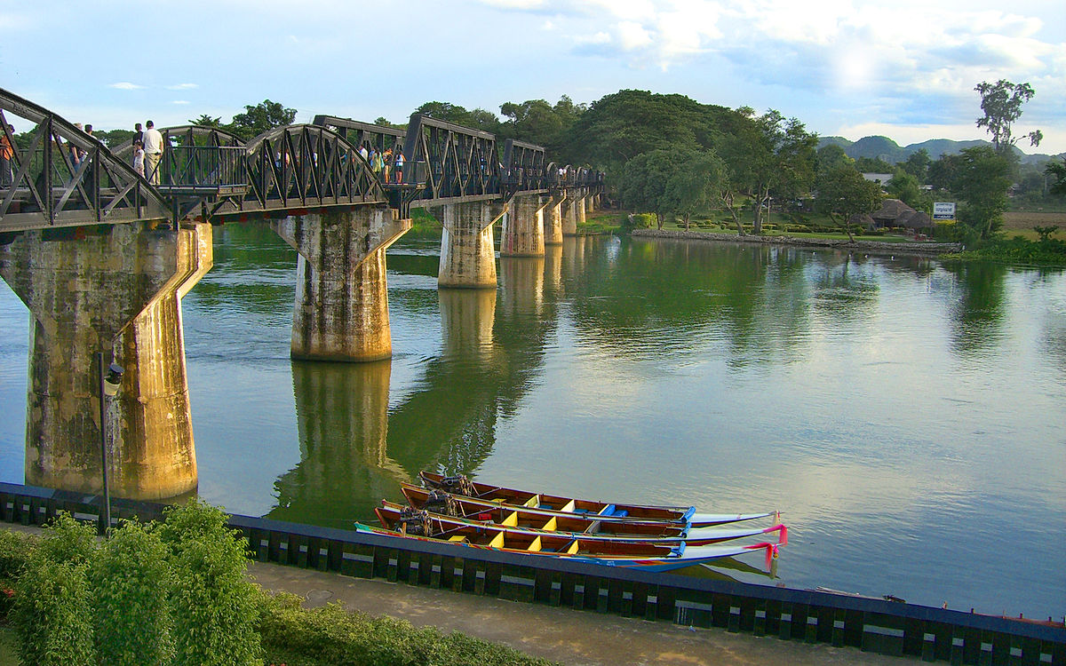 bridge over the river kwai Watch full movie: the bridge on the river kwai (1957) online free after settling his differences with a japanese pow camp commander, a british colonel co-operates to oversee his men's construction of a railway bridge stream movies.