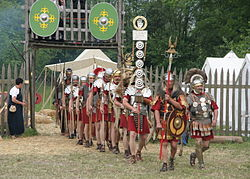 Roman soldiers with aquilifer signifer centurio 70 aC.jpg