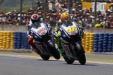 Lorenzo e Valentino Rossi al Gran Premio di Francia del 2010.