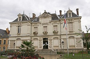 Saint-Calais - The town hall of Saint-Calais