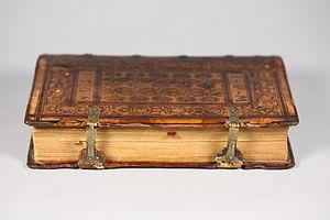 Metallschließen: Band mit alchemistischen Abhandlungen (gebunden in Straßburg um 1568, Sammlung der Chemical Heritage Foundation, Philadelphia)