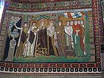 San vitale, ravenna, int., presbiterio, mosaici di teodora e la sua corte 03.JPG