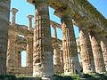 Scavi archeologici di Paestum WLM 074.JPG